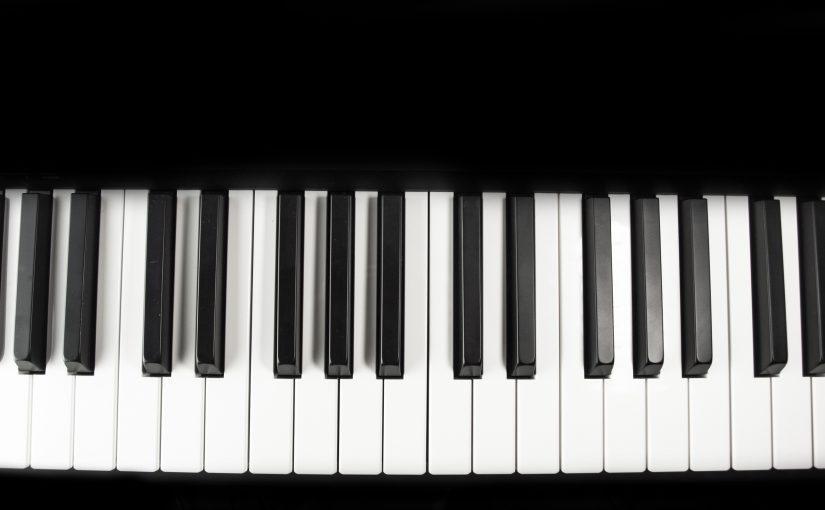 (618) Piano
